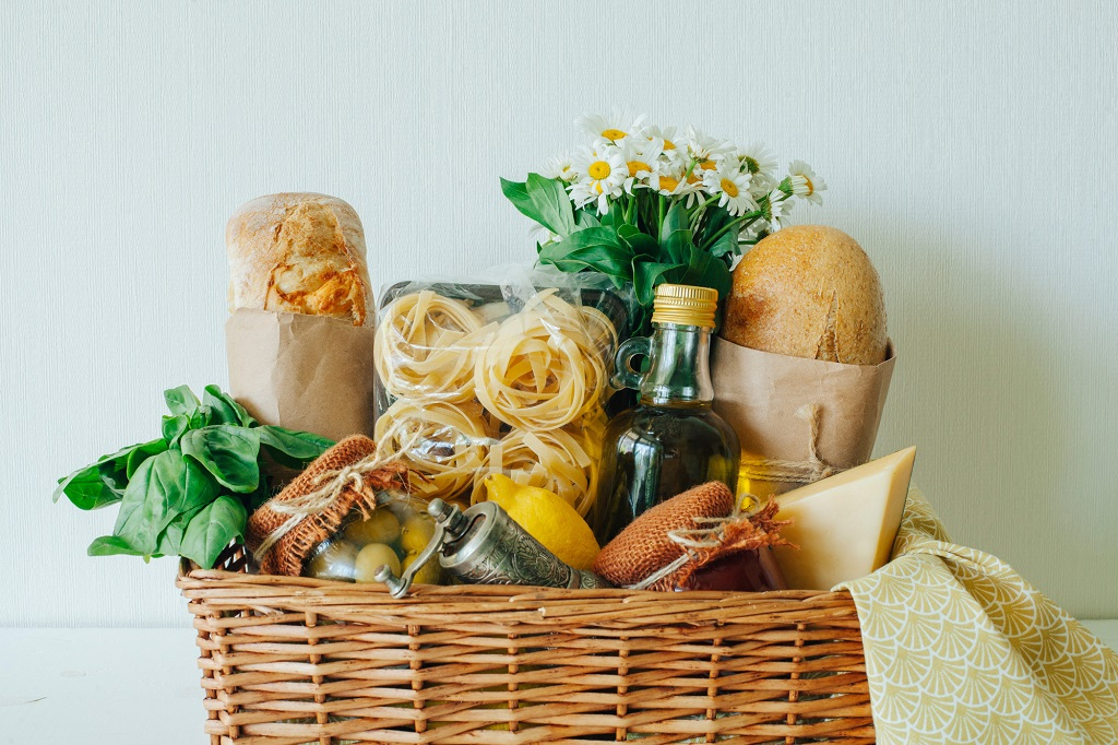 How To Put Together The Perfect Birthday Gift Basket