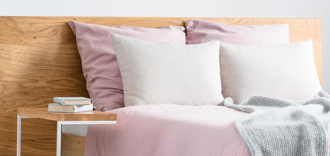 How to wash a pillow without making mistakes and damages